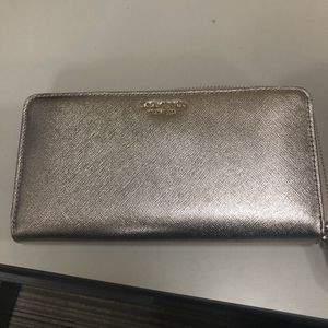 Kate Spade wallet for Sale in Martinez, CA