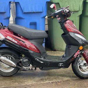 2020 Moped Not Even 350miles On It for Sale in Stockbridge, GA