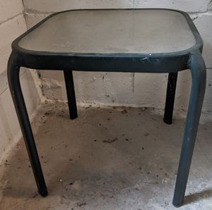 Small Outdoor / Patio Table for Sale in Snellville, GA