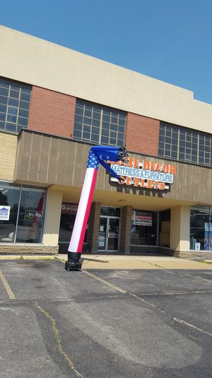HOME DECOR FURNITURE ON KINGSHIGHWAY for Sale in St. Louis, MO