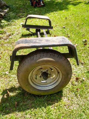 5 lug trailer axle with leaf springs, fenders and 1 tire for Sale in Lawrenceville, GA