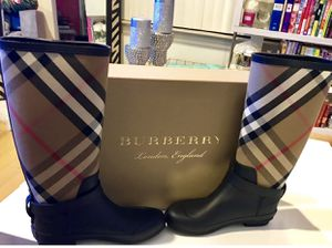 New Burberry Simeon Check-Print Rain Boot, Black for Sale in Irving, TX