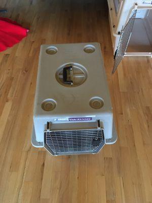 Medium petmate vari kennel / crate ultra for Sale in Everett, WA