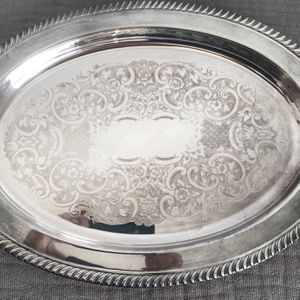 """Leonard Silver Mfg Co Silverplated Hollowware 16"""" Oval Tray/Serving Platter with Gadroon edge for Sale in Plainfield, IL"""