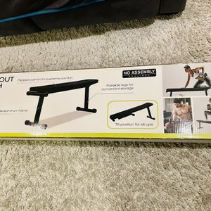 Workout bench——- never open! Collapsible for Sale in Hayward, CA