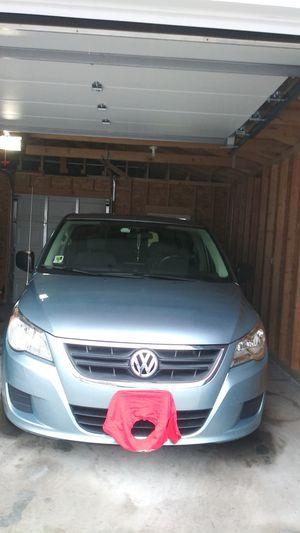 2009 vw routan minivan for Sale in Chicago, IL