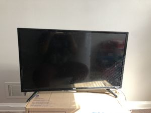 32 inch roku tv for Sale in Baltimore, MD