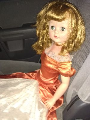 Antique doll. for Sale in Greenville, SC