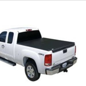 Tonno Pro Truck Bed Cover for Sale in Fresno, CA