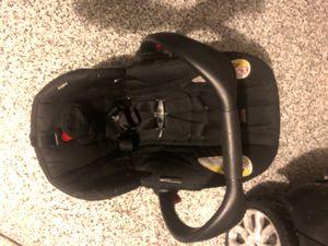 Britax infant car seat for Sale in Winter Garden, FL