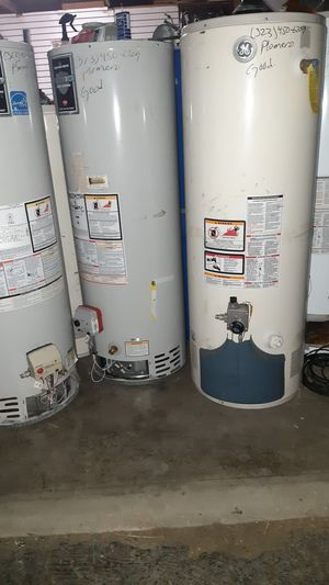 Water heaters boilers 30-40-50-y75 galones for Sale in Fontana, CA