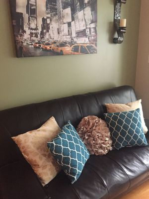 Full Size Black Futon Couch for Sale in Chicago, IL