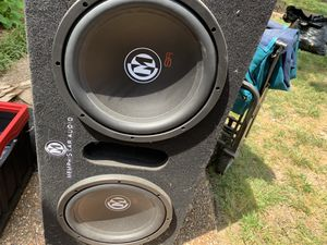 """Two 12"""" Memphis subwoofers in box with amp for Sale in Franklin, TN"""