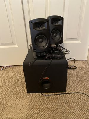 Klipsch speakers & subwoofer combo for Sale in Hayward, CA