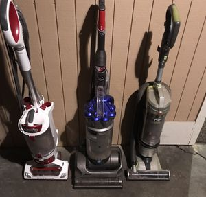 PICK ONE VACUUM for $89! Shark Dyson Bissell for Sale in Fircrest, WA