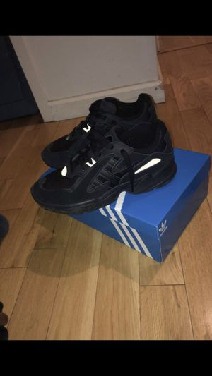 YUNG 1 Adidas size 9.5 for Sale in New York, NY