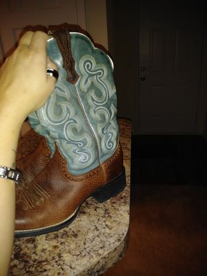 Ariat women's boots!! for Sale in Canton, GA