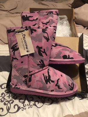 Pink camo boots for Sale in Tampa, FL