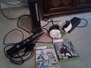 XBOX360 Elite Bundle for Sale in Kennesaw, GA