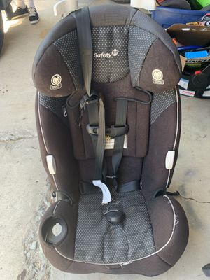 Safety 1st rear or front facing car seat. 2 years old bought in 2017 for Sale in San Diego, CA