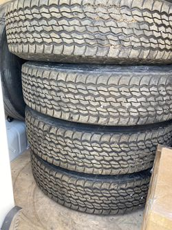 Recap Trailer tires for Sale in Puyallup,  WA