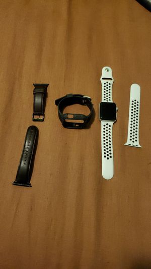 Apple watch Nike series 3 with bands for Sale in Los Angeles, CA