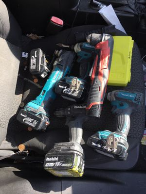 Marital power tool set 18-Volt LXT Lithium-Ion Cordless And milwaukee right angle drill for Sale in Hayward, CA