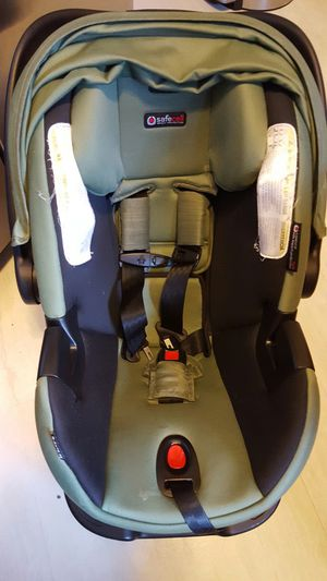 Britax B-SAFE 35 elite carseat with base for Sale in Elkhart, IN