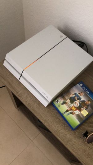 Ps4 white 500gb for Sale in Fort Lauderdale, FL