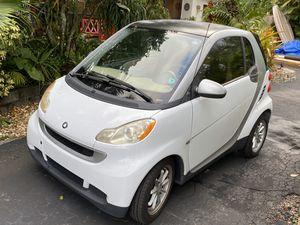 SmartCar Passion by Mercedes Benz in good condiiton for Sale in Boynton Beach, FL