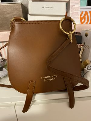 Like new Burberry bag for Sale in Brooklyn, NY