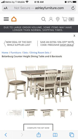 Dinning table with 5 chairs normal use for Sale in Garden Grove, CA