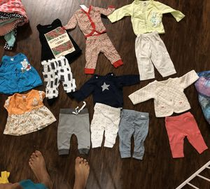 18 newborn clothes n 0-3 month mittens socks n hats cloth diapers bib for Sale in Austin, TX