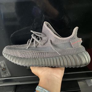 """Yeezy 350 V2 """"Black Static"""" Non Reflective Size: 10 for Sale in Hawthorne, CA"""