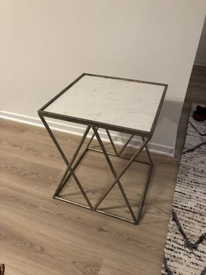 Elegant side table for Sale in Chicago, IL