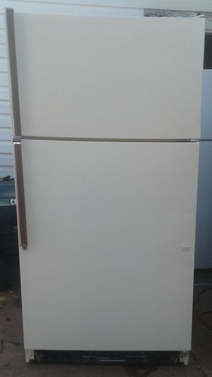 Kenmore Refrigerator for Sale in Oklahoma City, OK