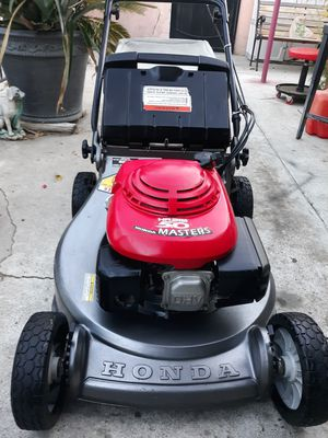 Honda hrc215 master commercial lawn mower. for Sale in Paramount, CA