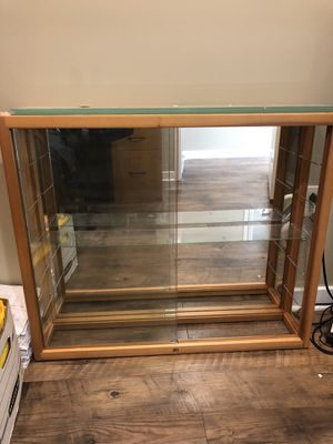 Lockable display case for Sale in Stafford Township, NJ