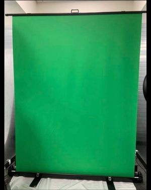 5ft. (W) x 6ft. (H) Collapsible and Retractable Green Chromakey Screen with Built-in Aluminum Case, Photo Video Studio for Sale in Ontario, CA
