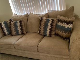 Sofa Bed And Dining Table for Sale in Plant City,  FL