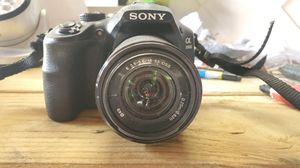 Sony 3000 Digital Camera HD 20.1 mega pixels for Sale in North Miami Beach, FL