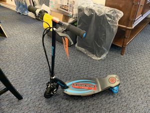 New Razor Power core E100 Electric Scooter W/ Charger for Sale in Virginia Beach, VA