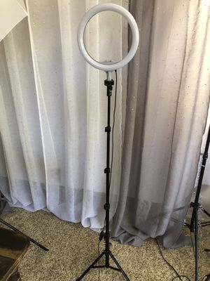 "10"" ring light with stand for Sale in Riverside, CA"