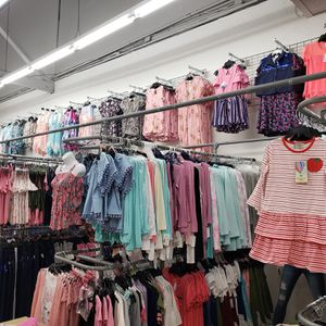 Wholesale Clothing for Sale in Los Angeles, CA