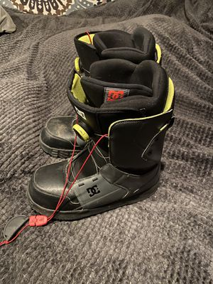 Size 11 DC snowboard boots for Sale in Tempe, AZ