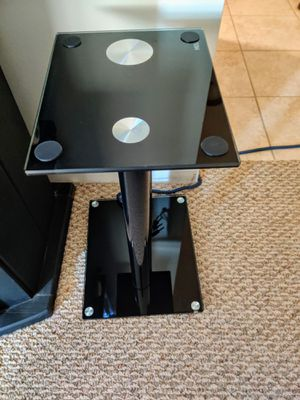 Luxory Speaker Stands for Book Shelf and Surround Sound Speakers for Sale in Des Plaines, IL