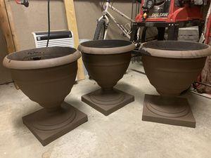 3 outside pots for Sale in Aliquippa, PA
