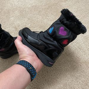Size 10 Girls Snow Boots for Sale in Wimauma, FL