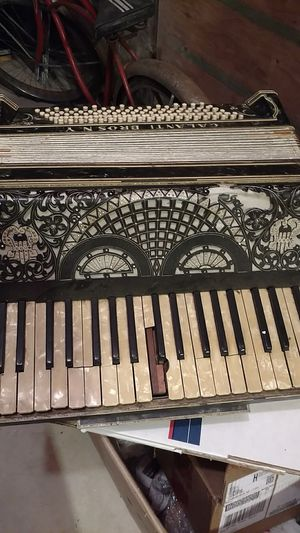 Galanti Brothers of New York accordion for Sale in Groveland, MA