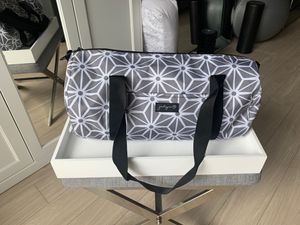 NEVER USED Jaydn B GYM/Workout/Weekend Duffle Bag for Sale in Los Angeles, CA